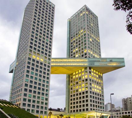 Arcos bosques arquitectura en red for Arquitectos y sus obras